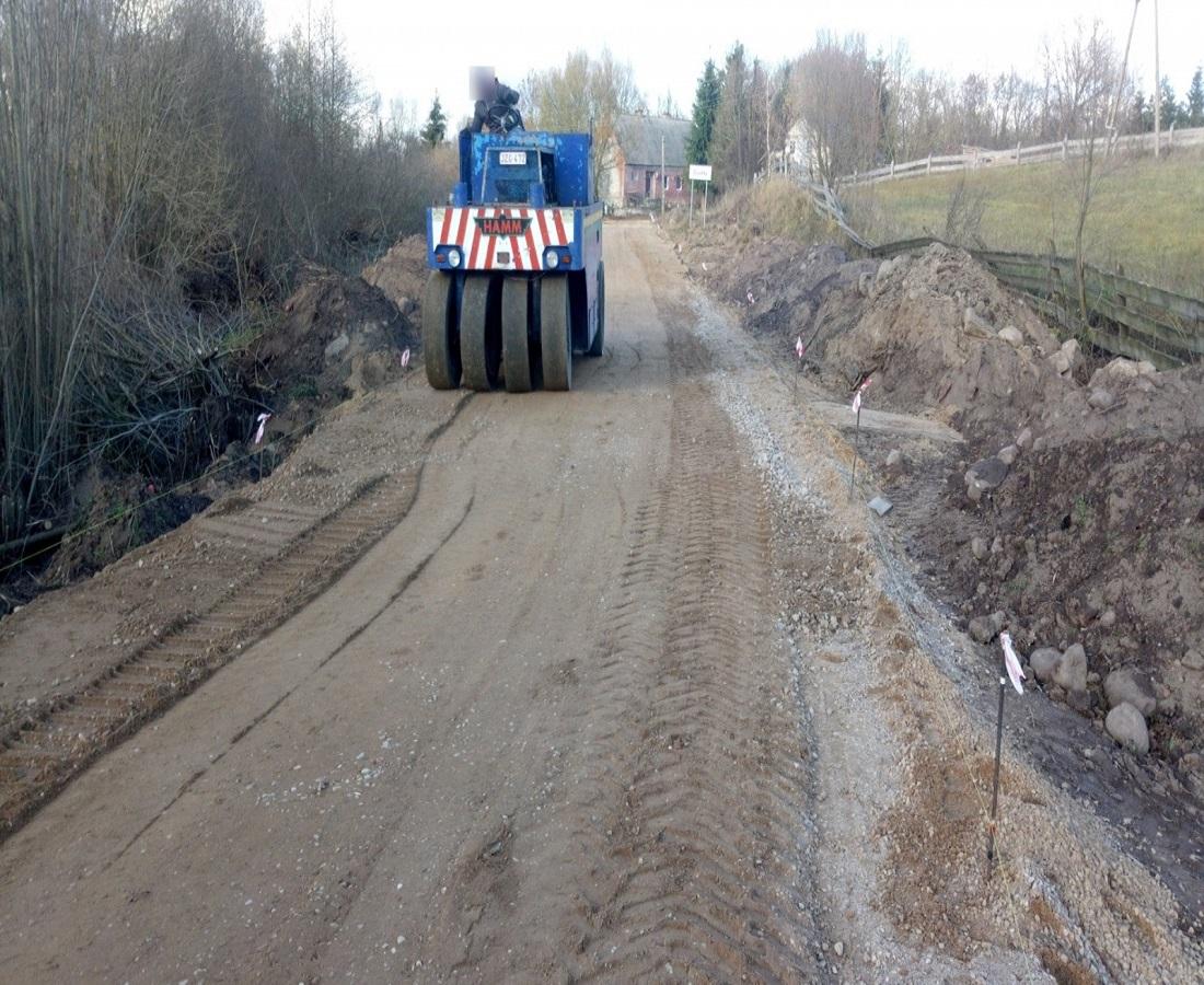Budowa drogi żwirowej